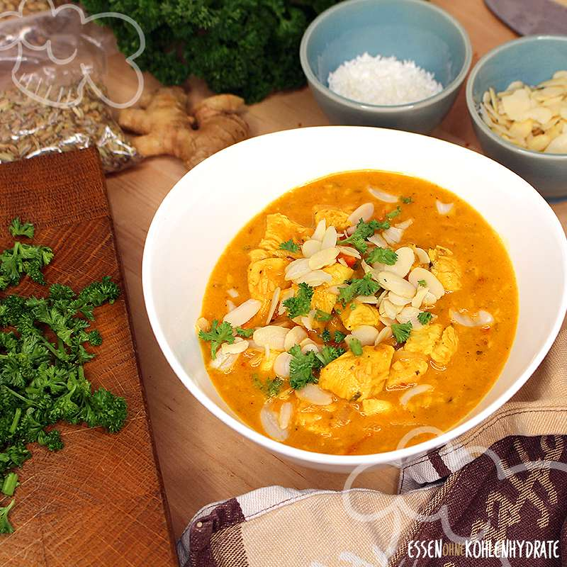 Leckeres Low-Carb Chicken Korma Curry