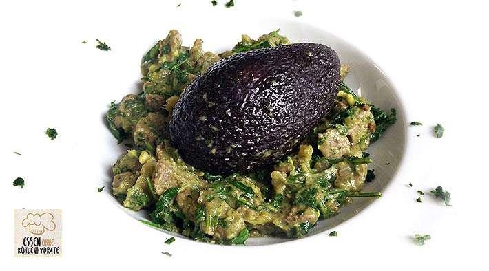 zum Rezept Leckeres Avocado-Kräutergulasch mit Rucola