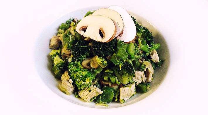 zum Rezept Leckere Brokkoli-Puten-Champignons-Pfanne