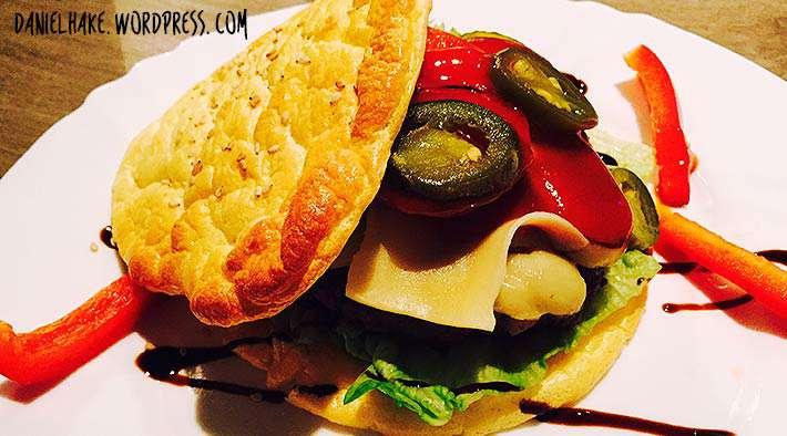 zum Rezept Oopsie Low-Carb Burger