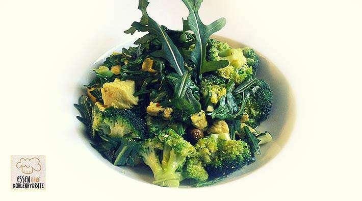 zum Rezept Grüne Low-Carb Brokkoli-Curry-Puten-Pfanne