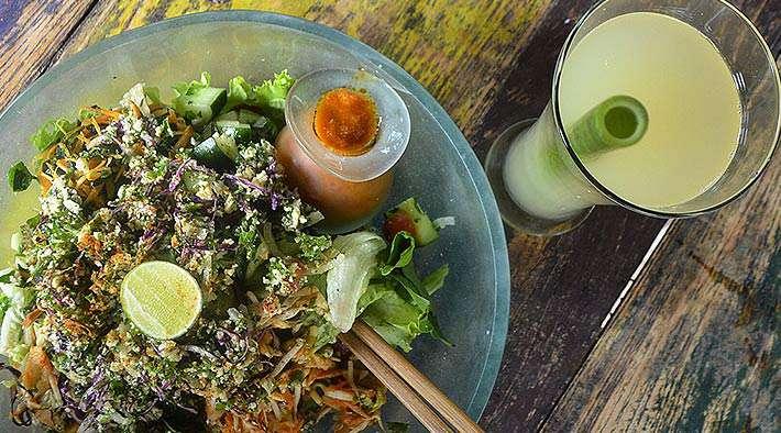 zum Rezept Leckerer Limonengras-Salat (Raw & Vegan)