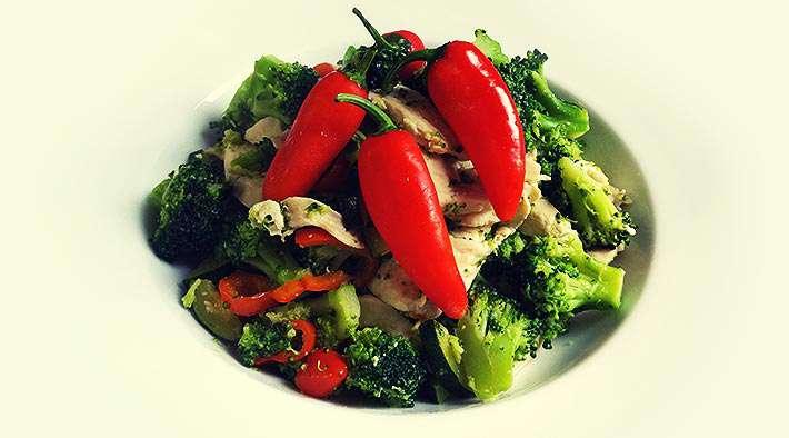 zum Rezept Puten-Gemüsepfanne mit Mini-Paprika