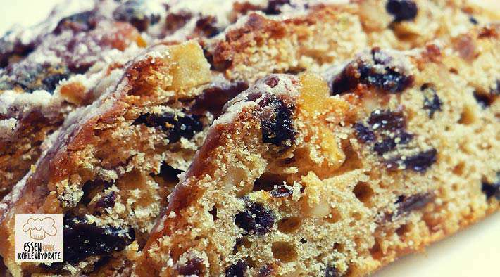 Leckerer Low-Carb Stollen mit Rosinen