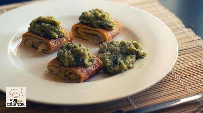zum Rezept Käse-Omlette-Röllchen mit Zucchini-Topping