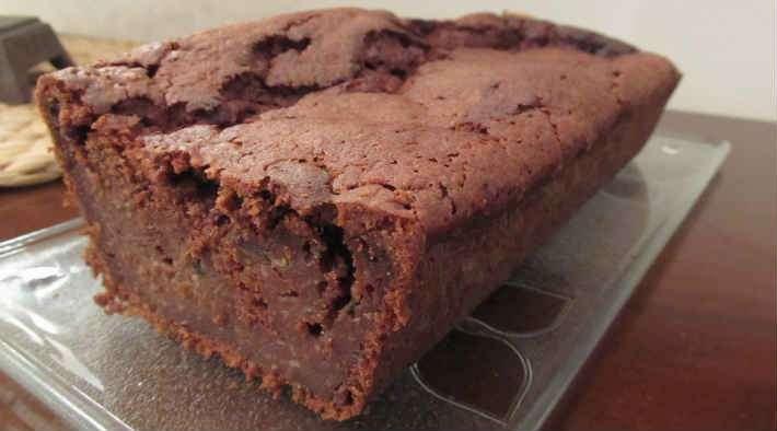 zum Rezept Low-Carb Zucchini-Schokoladenkuchen
