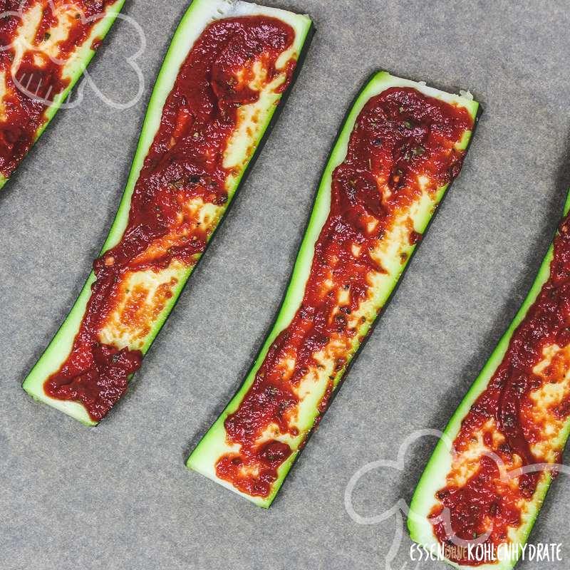 Low-Carb Zucchini-Pizza-Baguettes