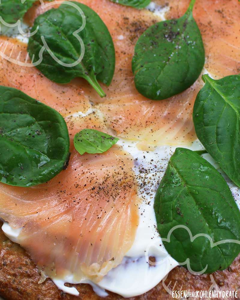 Low-Carb Lachs Spinat Pizza