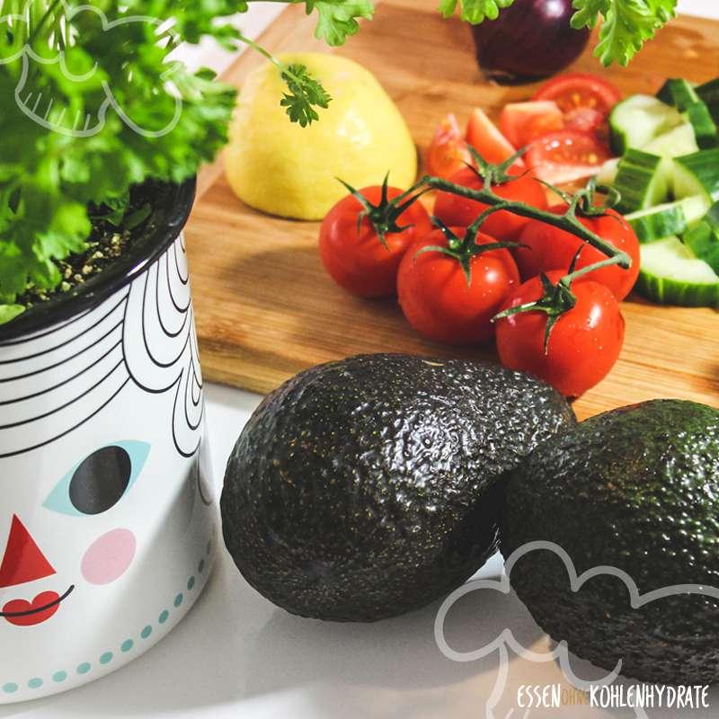 Gurken-Avocado-Tomaten-Salat
