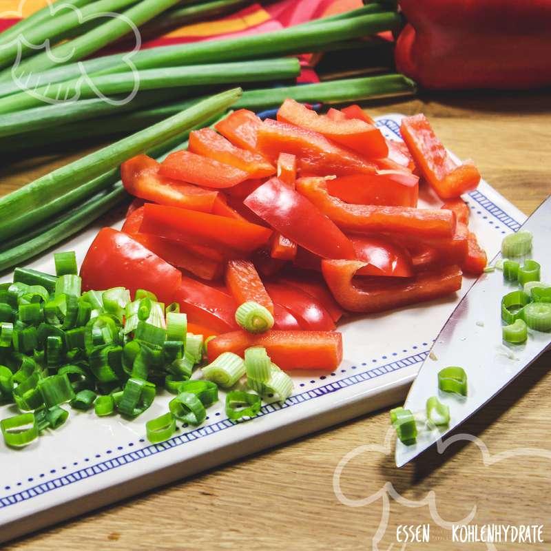 Bunter Paprika-Wurstsalat