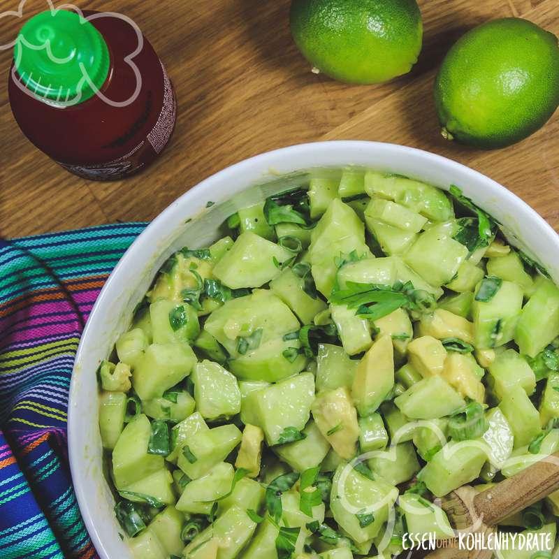 gurken avocado salat low carb rezepte essen ohne kohlenhydrate. Black Bedroom Furniture Sets. Home Design Ideas