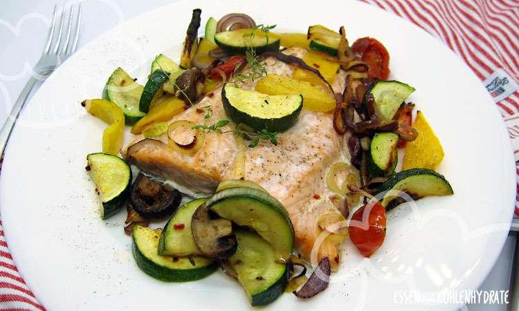 zum Rezept Lachs mit Ofengemüse