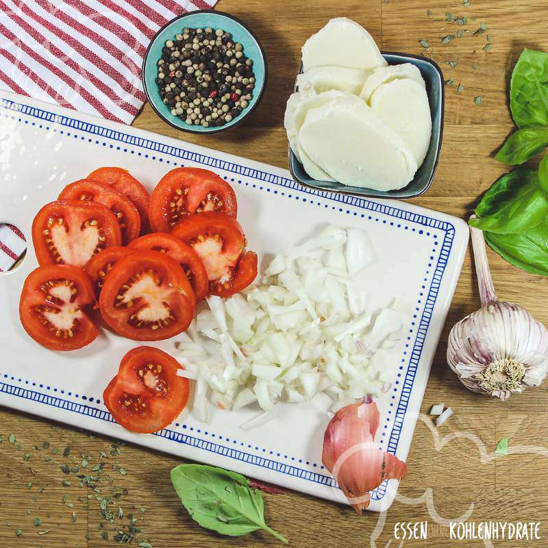 Tomate-Mozzarella aus dem Ofen