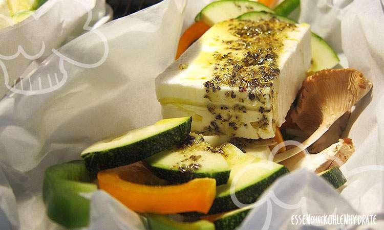 Feta in Pergament mit Gemüse und Kräuterseitlingen