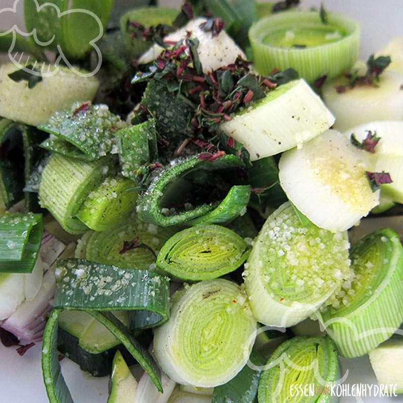 Lauch-/Zucchini-Gemüse mit Thüringer Bratwurst
