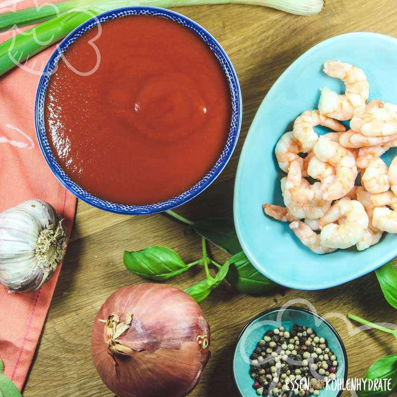 Tomatensuppe mit Garnelen