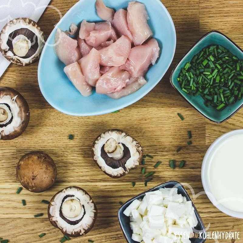 Champignonauflauf mit Feta und Hähnchen