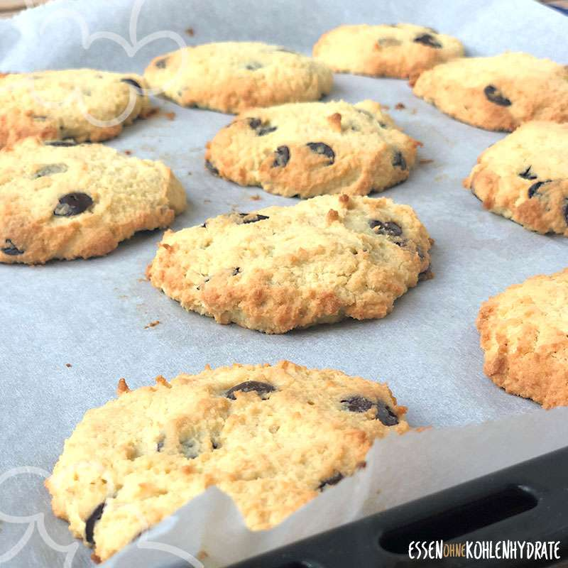 Low-Carb Chocolate Chip Cookies