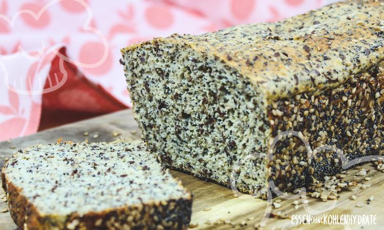 zum Rezept Low Carb Mohn-Brot