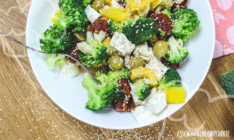 zum Rezept Mediterraner Brokkolisalat