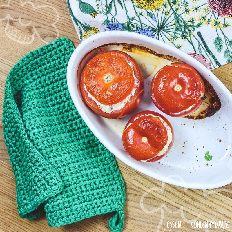 Gefüllte Tomaten mit Speck