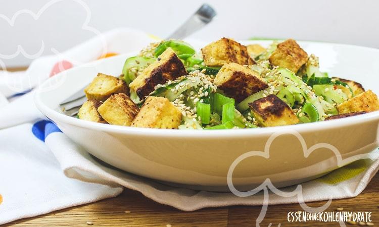 Gurkensalat mit Tofu